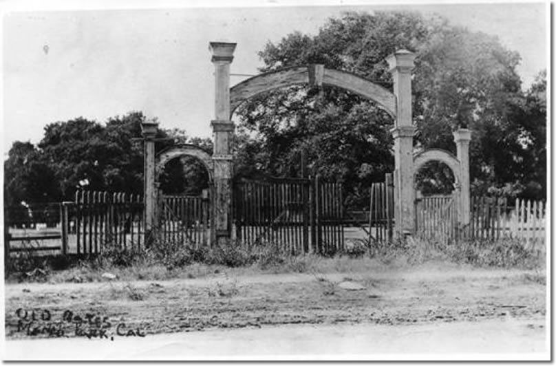 Dennis Oliver and D. C. McGlynn marked the entry to their land with an arch that said Menlo Park.